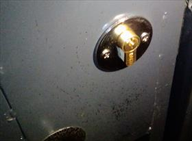 Ремонт замка в железной двери, деревянной двери.